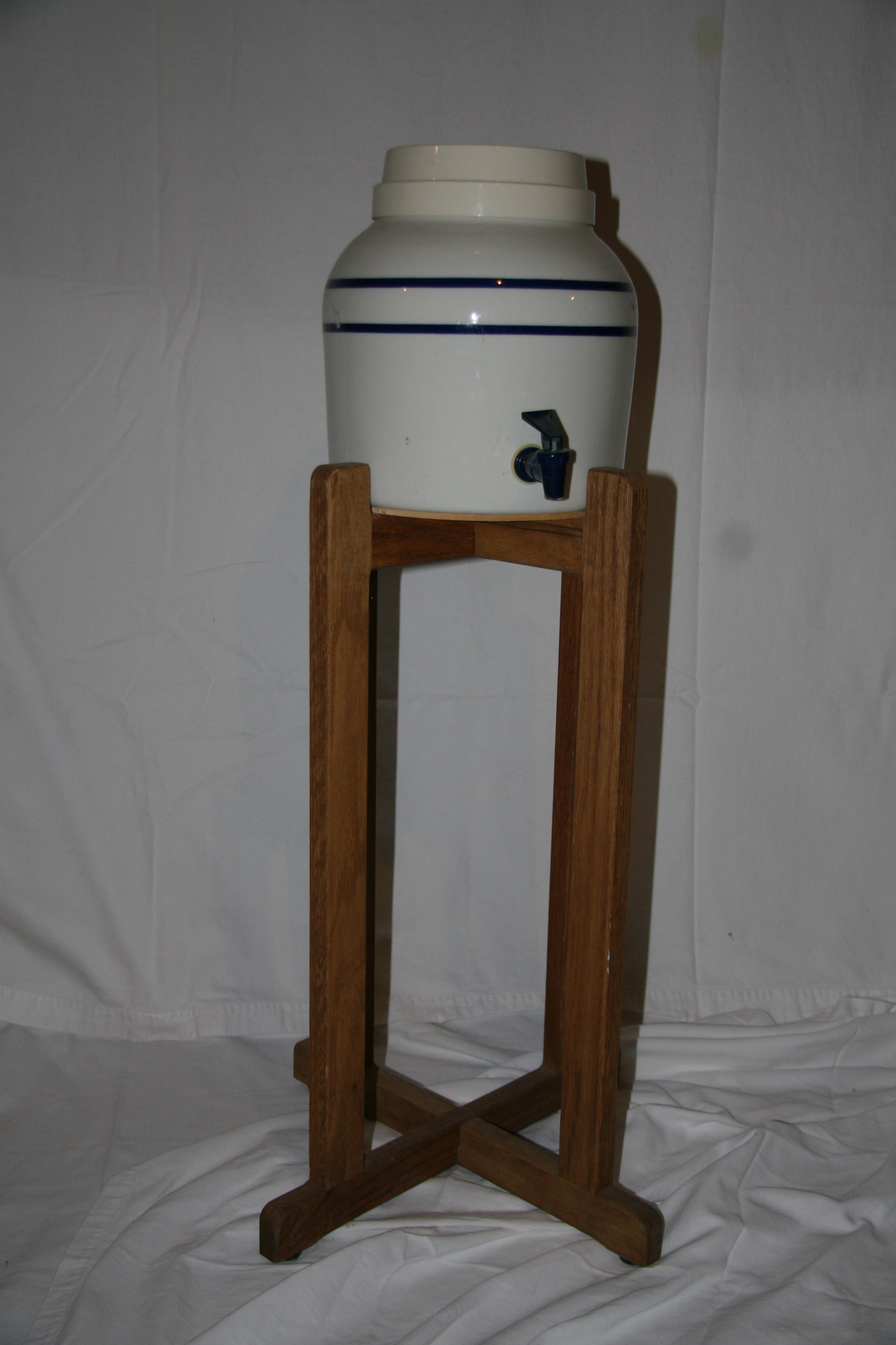 Ceramic Crock Water Cooler With Wooden Stand